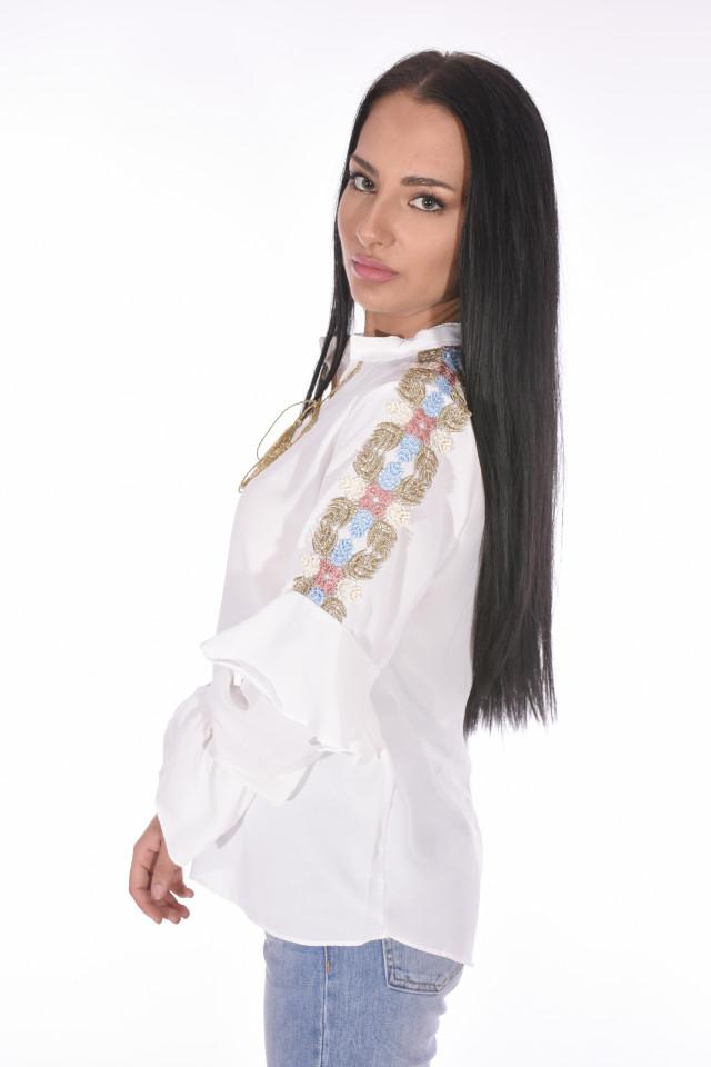 Camasa eleganta cu broderie florala pe umeri-alb-