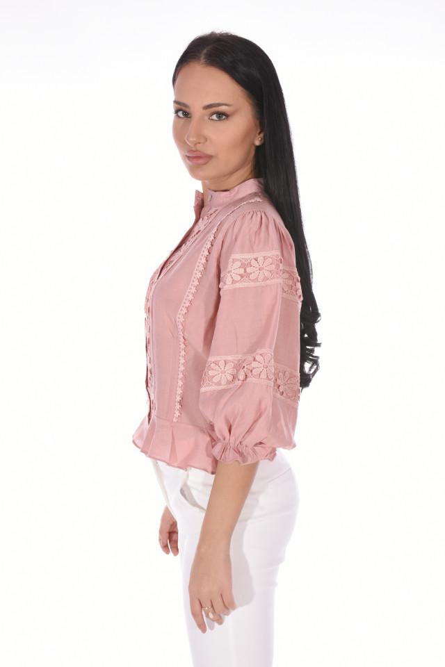 Camasa eleganta cu flori brodate- roz-