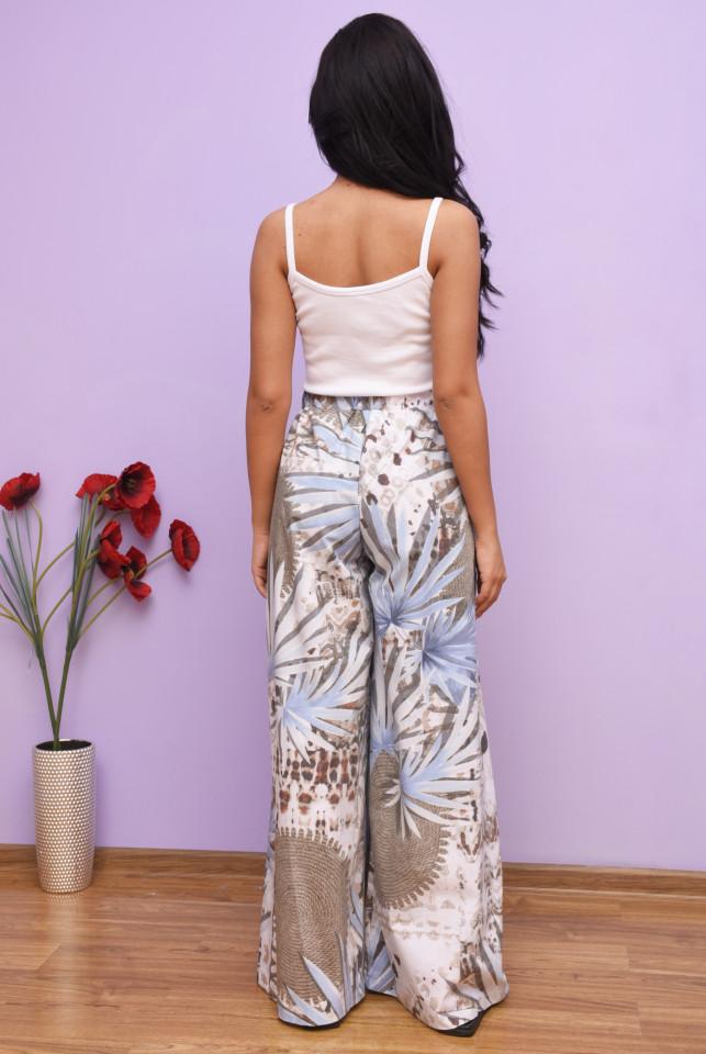 Pantaloni dama evazati cu imprimeu