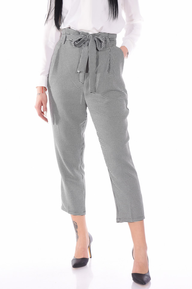 Pantaloni in carouri cu talie inalta si cordon