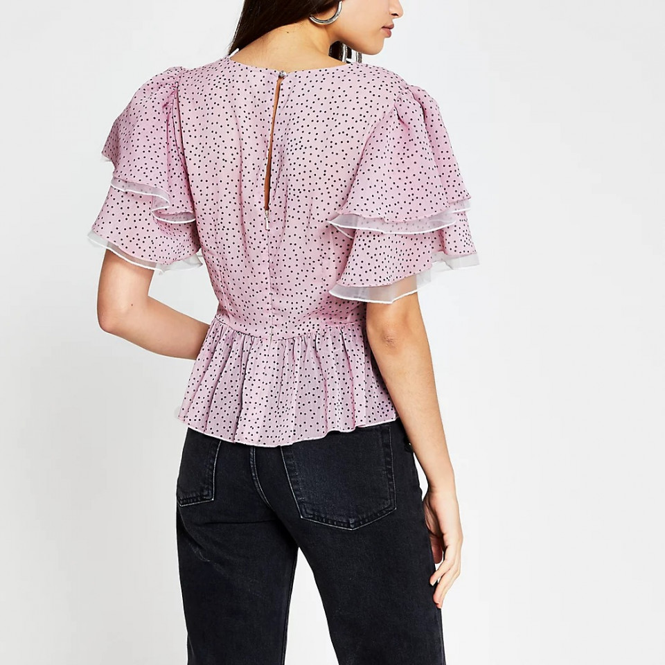 Bluza eleganta cu volane si buline