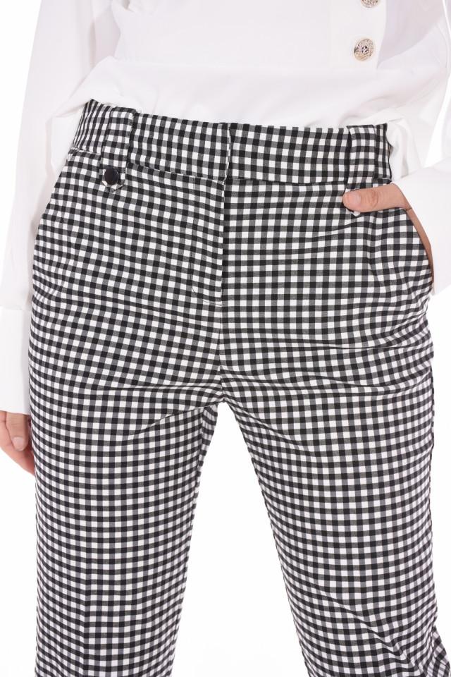 Pantaloni in carouri 3/4 Oasis