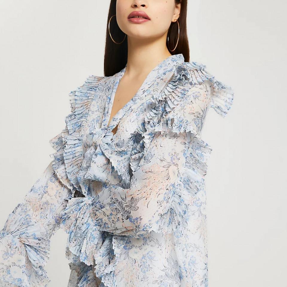 Rochie vaporoasa cu imprimeu si volane