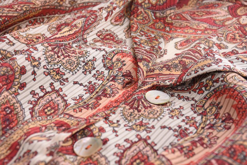 Bluza vaporoasa cu imprimeu