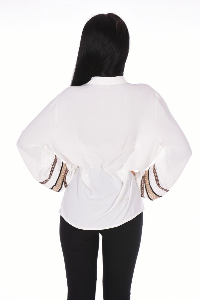 Camasa eleganta cu broderie pe maneci -alb-marimi mari-
