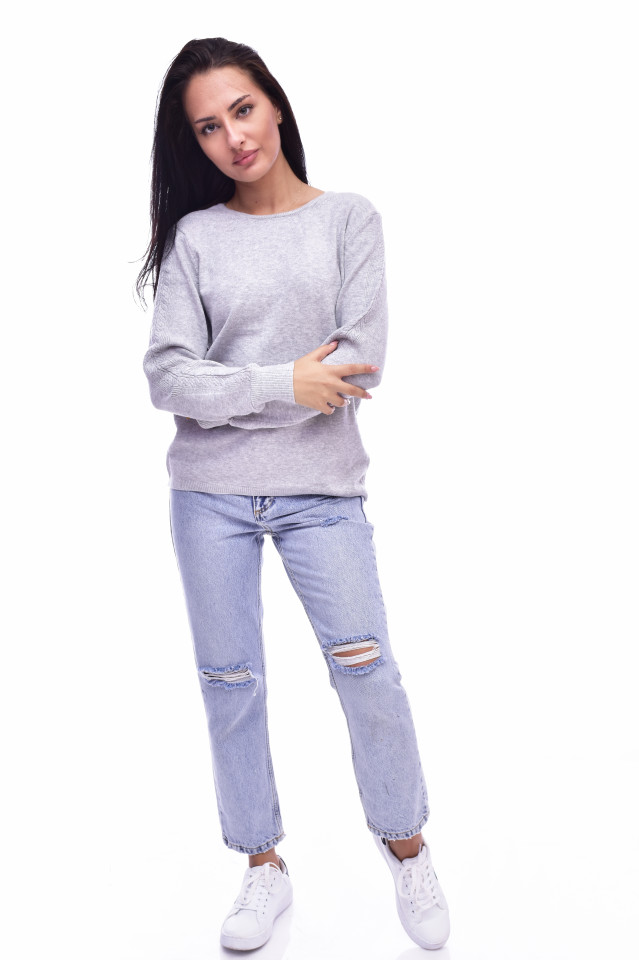 Pulover din tricot fin cu detalii pe maneci - gri