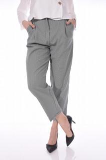 Pantaloni casual lejeri in carouri