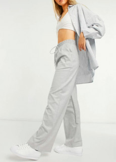 Pantaloni evazati din tricot fin