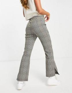 Pantaloni evazati in carouri
