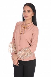Camasa roz prafuit eleganta cu broderie si aplicatii pe maneci