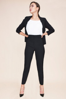 Pantaloni cu vipusca din dantela neagra