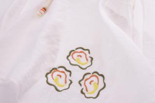 Bluza eleganta cu maneci evazate si cordon -alb-