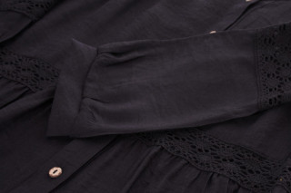 Bluza lejera cu broderie- negru-