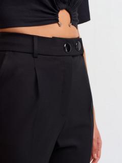 Pantaloni conici cu talie inalta si nasturi metalici