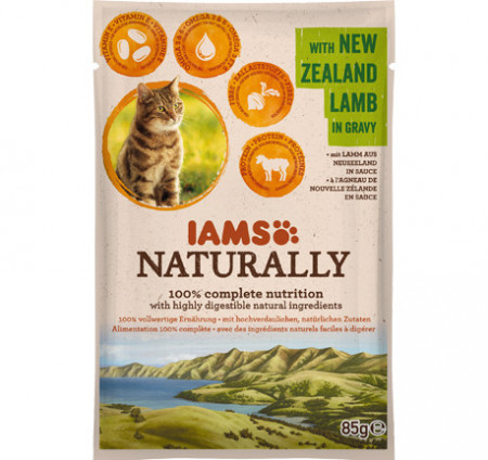 Hrana umeda pisici IAMS Naturally Adult Cat cu Miel