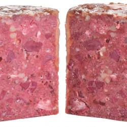 bucăți întregi de carne și organe