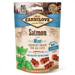 Carnilove CAT Crunchy Snack cu somon și menta 50 gr