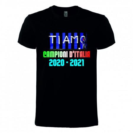 Maglietta scudetto Inter 2021 immagini