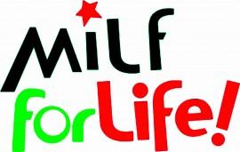 MAGLIETTA IN 100% COTONE UOMO/DONNA PER 50 ANNI TITOLO: MILF LIFE immagini