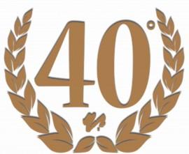 MAGLIETTA IN 100% COTONE UOMO/DONNA PER 40 ANNI TITOLO: 40 VICT immagini