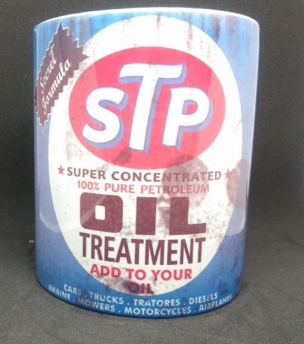 Caneca com STP Oil