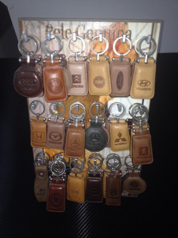 Porta-chaves  em pele-Várias Marcas