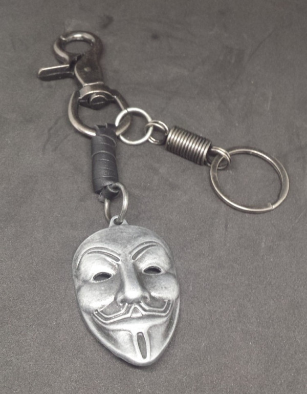 Porta Chaves com mascara Anonymous