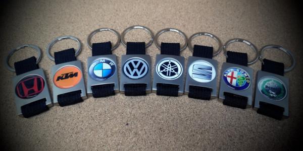 Porta-chaves em metal + resina com logotipo