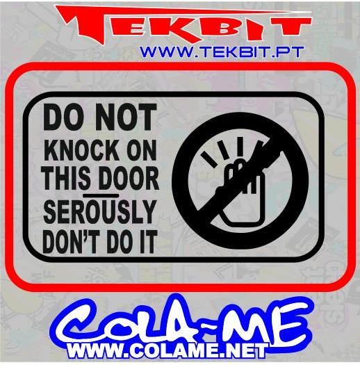 Imagens Autocolante - Do Not Knock On This Door