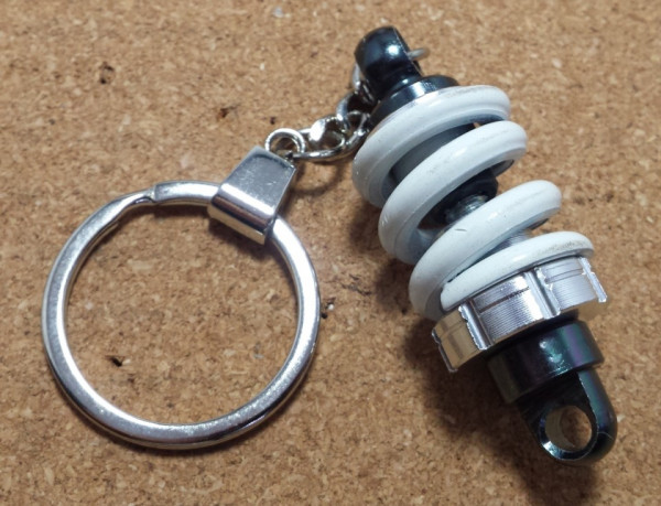 Imagens Porta Chaves - Coilover Branco