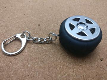 Porta Chaves - Jante com pneu - cromado