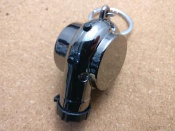 Porta Chaves - Turbo Preto (gun metal) - Electrónico (Recarregável) - Com Isqueiro