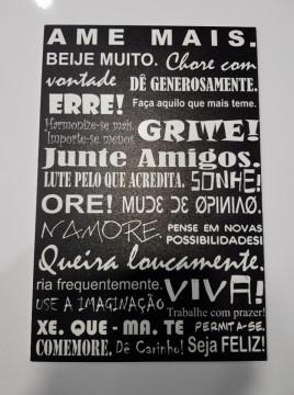 Placa Decorativa em PVC - Ame mais. Beije muito...