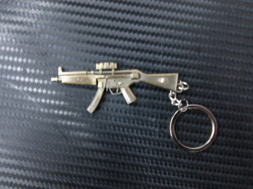Porta Chaves - Arma MP5 Dourada