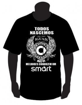 T-shirt com Todos Nascemos Iguais (Smart)