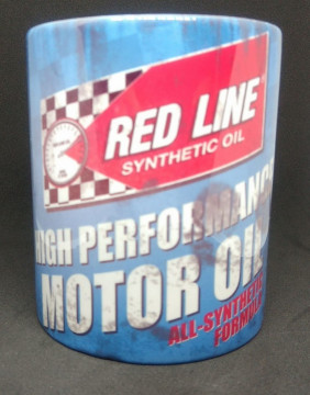 Caneca com Red Line Motor Oil