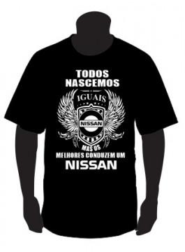 T-shirt com Todos Nascemos Iguais (Nissan)