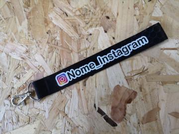 Fita Porta Chaves com Símbolo Instagram + Nome