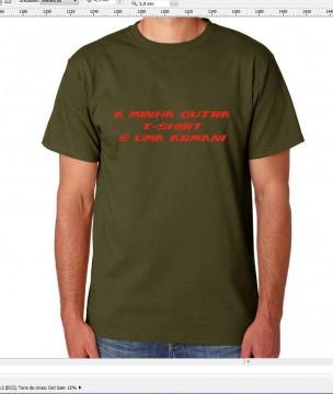 T-shirt  - A minha outra t-shirt é armani