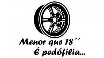 Autocolante - Menor que 18 é pedófilia
