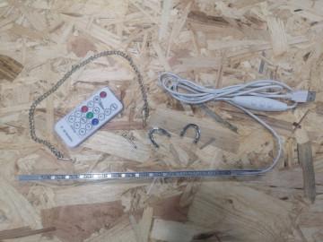 Cantoneira em alumínio com iluminação RGB + comando - 30cm