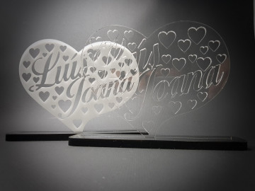 Nomes em acrílico - Coração - Personalizado