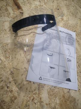 Viseira de protecção contra gotículas.