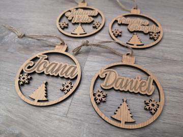 """""""Bola"""" para árvore de Natal com nome - MDF"""