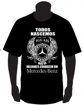 T-shirt com Todos Nascemos Iguais (Mercedes)