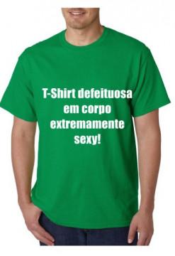 T-shirt  - T-Shirt Defeituosa em Corpo Extremamente Sexy