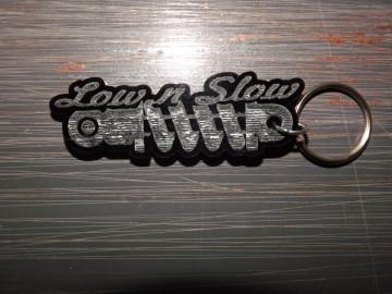 """Porta Chaves de Acrílico com gravação """"Low N Slow"""""""