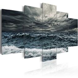 Kép - A storm is coming