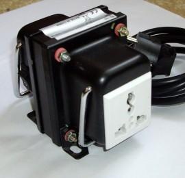 Poze Transformator de la 220V la 110V 200W TC-200