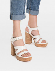 Stradivarius Blanca Platform Sandals
